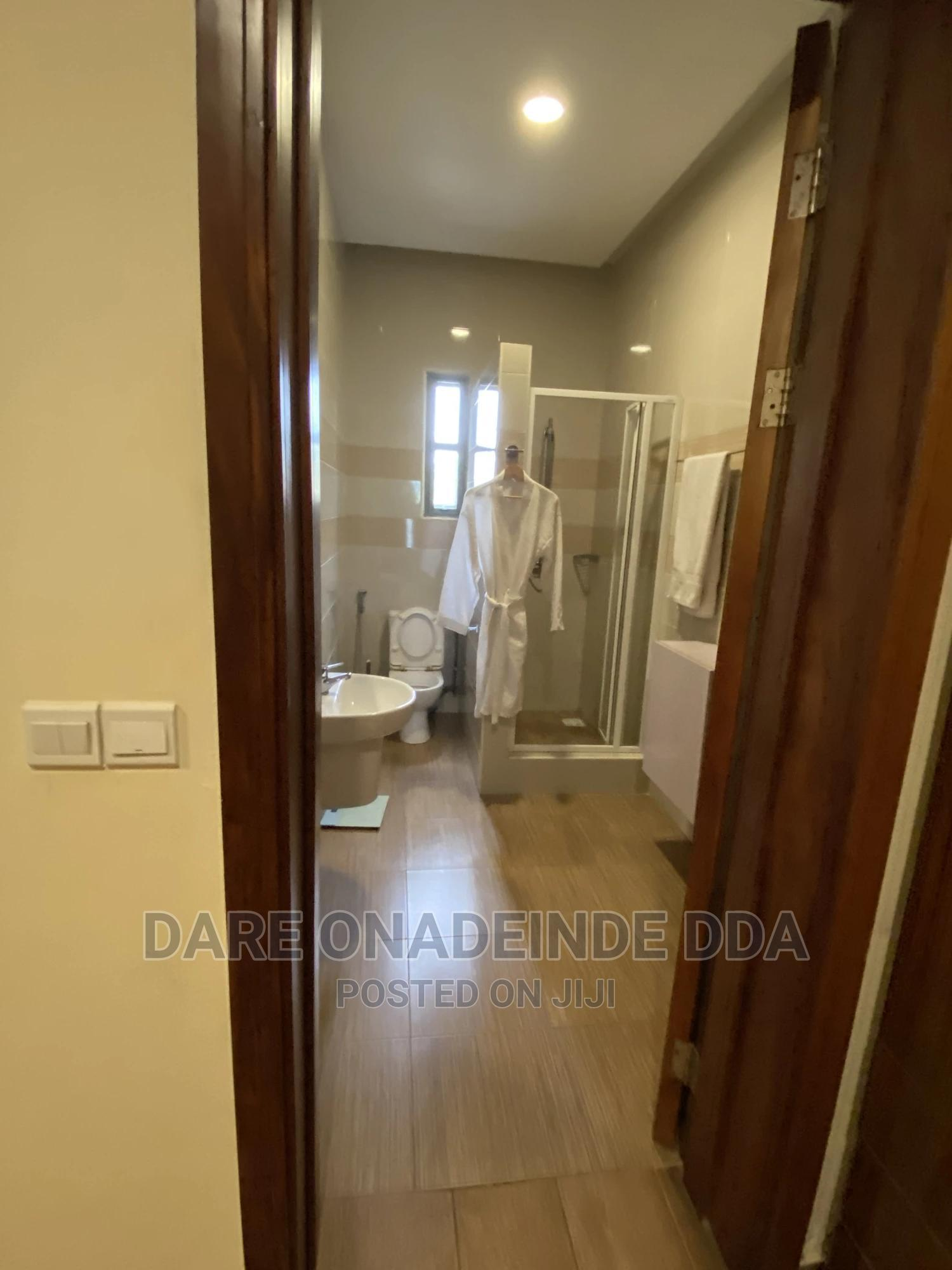 Archive: 2 Bedroom Flat At Lekki Phase One