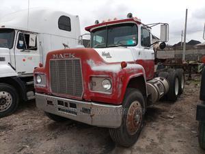 Mack R Model Tractor Head   Heavy Equipment for sale in Lagos State, Amuwo-Odofin