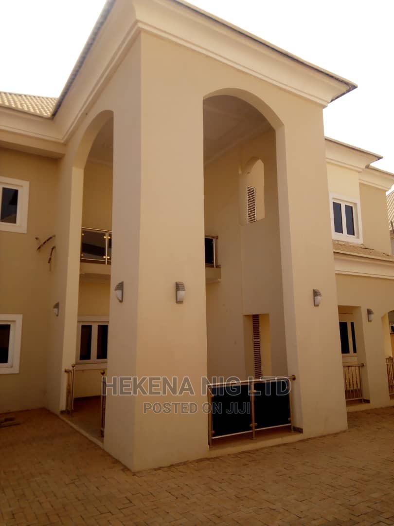 5 Bedrooms Duplex for Sale in Faplins Estate, Lokogoma