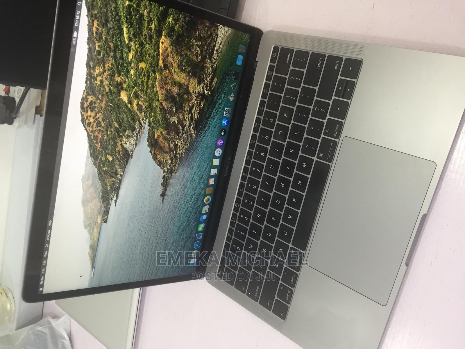 Archive: Laptop Apple MacBook 2017 8GB Intel Core I5 SSD 256GB