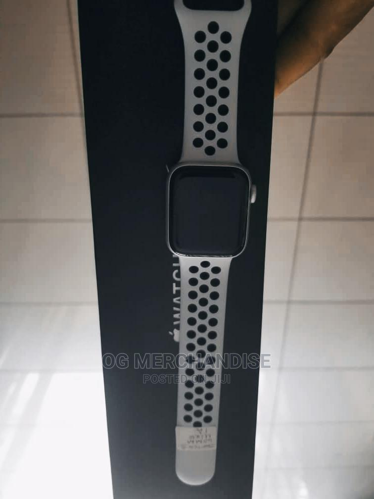 Apple Wrist Watch Series 5 | Smart Watches & Trackers for sale in Ibadan, Oyo State, Nigeria