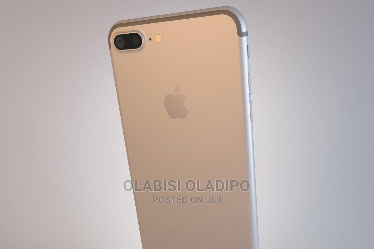 Archive: Apple iPhone 7 Plus 32 GB Black