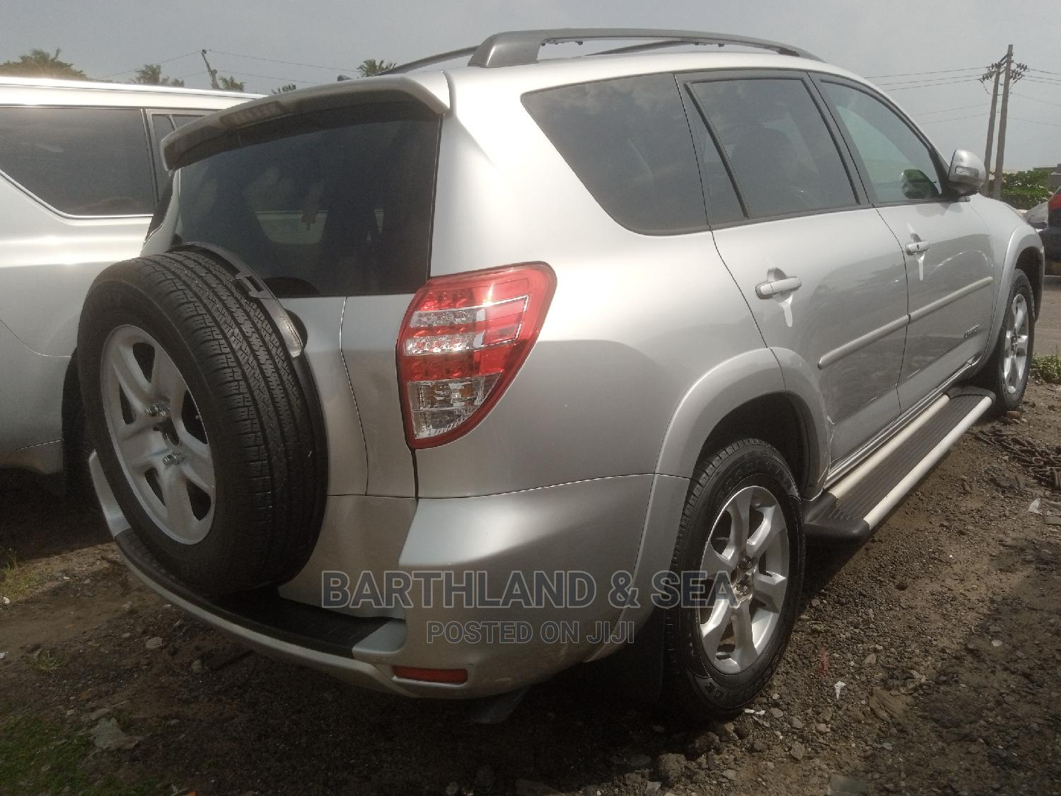Toyota RAV4 2010 3.5 Limited 4x4 Silver | Cars for sale in Apapa, Lagos State, Nigeria