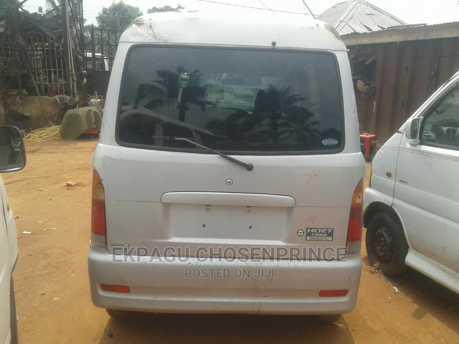 MANUAL Tokunbo Daihatsu Cargo Hijet for Sale in Nnewi   Buses & Microbuses for sale in Nnewi, Anambra State, Nigeria