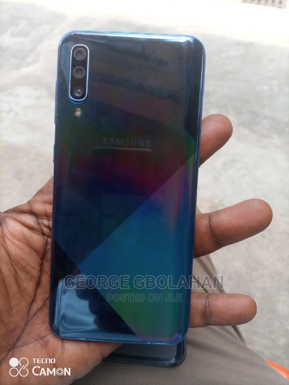 Archive: Samsung Galaxy A50 128 GB Blue