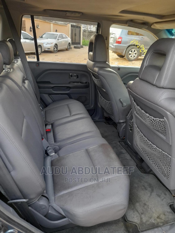 Archive: Honda Pilot 2005 EX-L 4x4 (3.5L 6cyl 5A) Gray