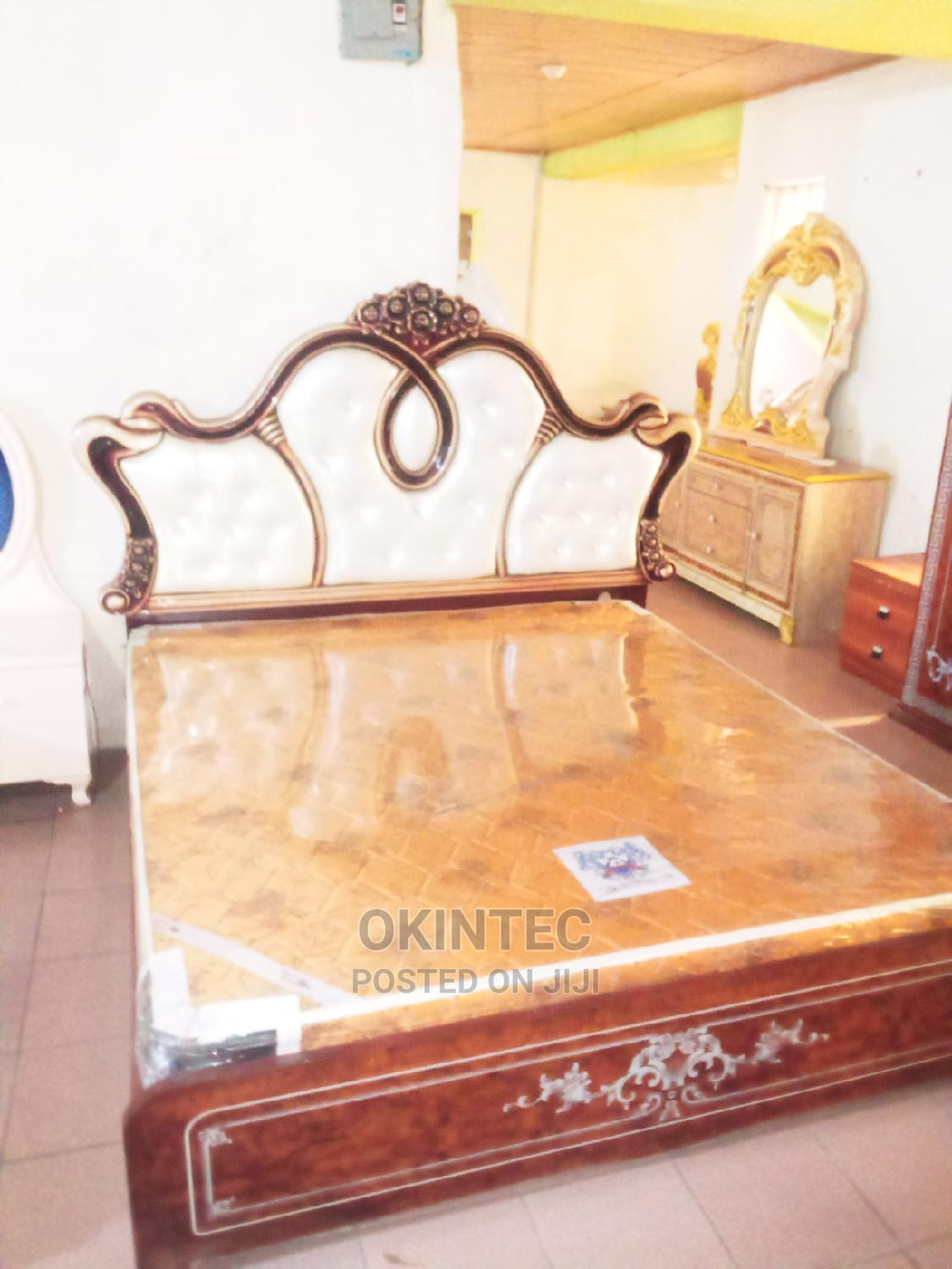 Archive: Royal Antic Bed