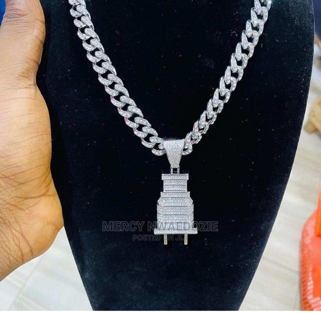 Cuban Chain With Plug Pendant