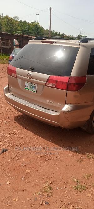 Toyota Sienna 2004 LE FWD (3.3L V6 5A) Brown | Cars for sale in Ekiti State, Ado Ekiti