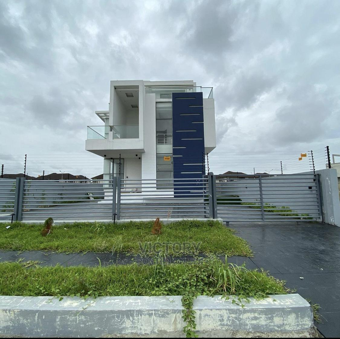 Ultra Luxury 5 Bedroom Detached House With 1 BQ for Sale