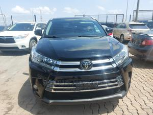 Toyota Highlander 2017 XLE 4x2 V6 (3.5L 6cyl 8A) Black   Cars for sale in Lagos State, Ajah