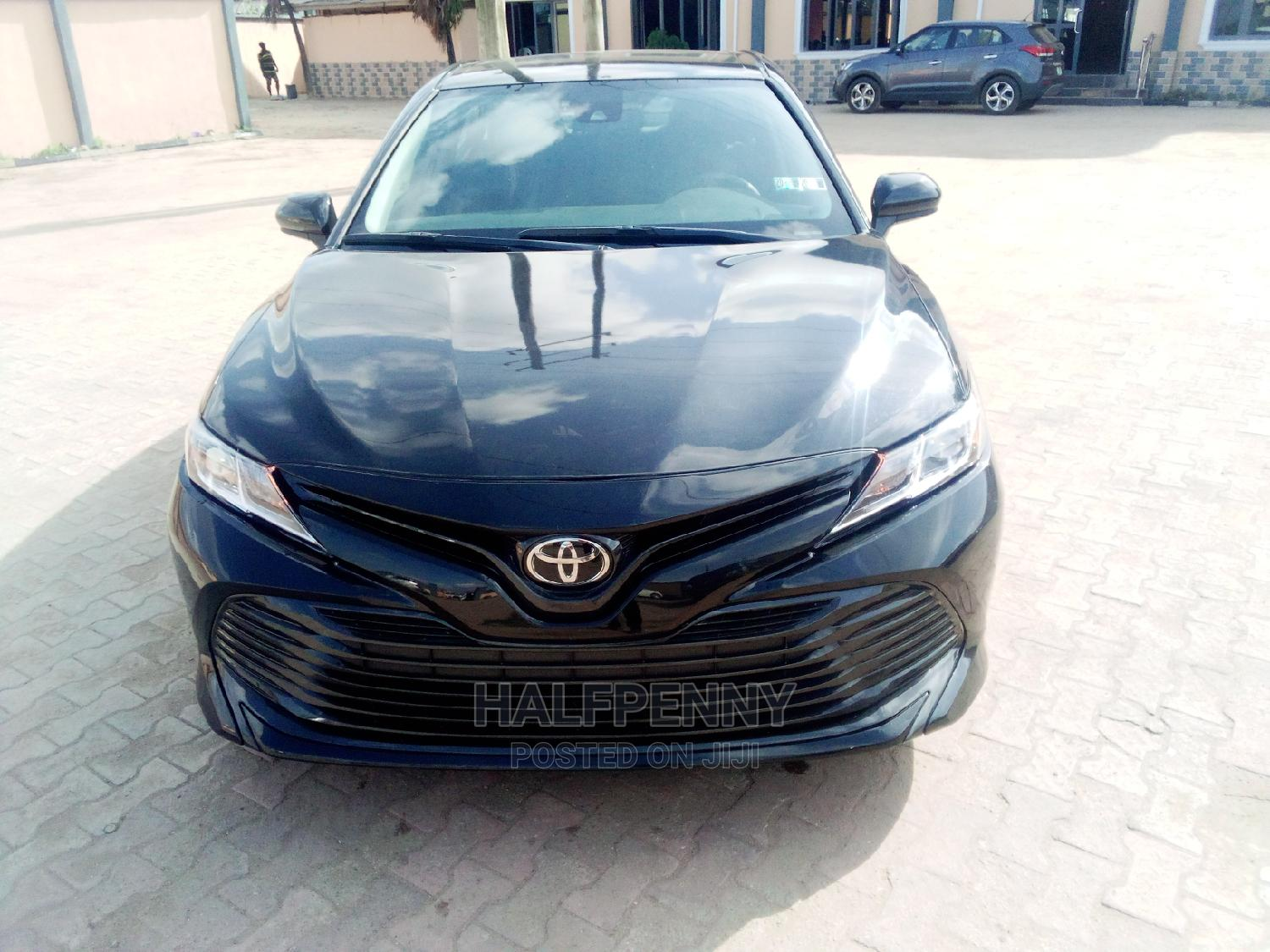 Archive: Toyota Camry 2018 LE FWD (2.5L 4cyl 8AM) Black
