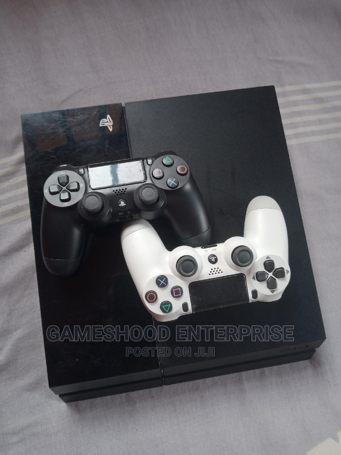 Ps4 Fat Console With 2pads and Other