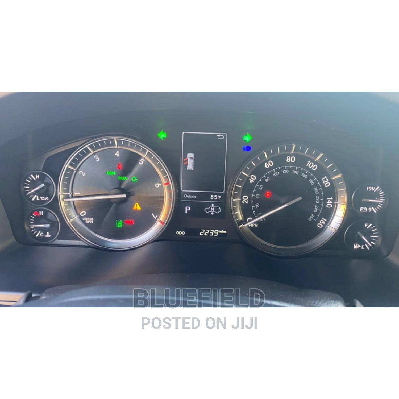 Archive: Lexus LX 2020 570 Three-Row Silver