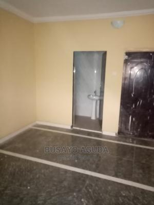 Lovely Newly Renovated Mini-Flat   Houses & Apartments For Rent for sale in Surulere, Lawanson