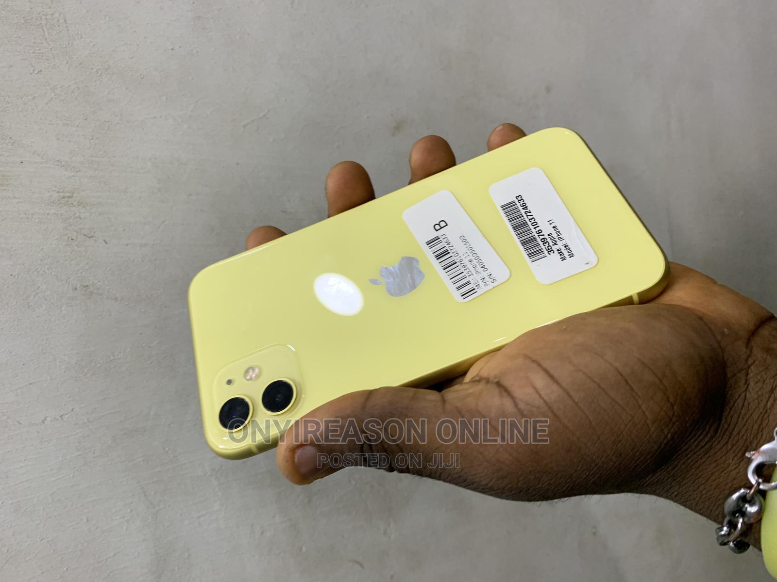 Apple iPhone 11 64 GB Yellow