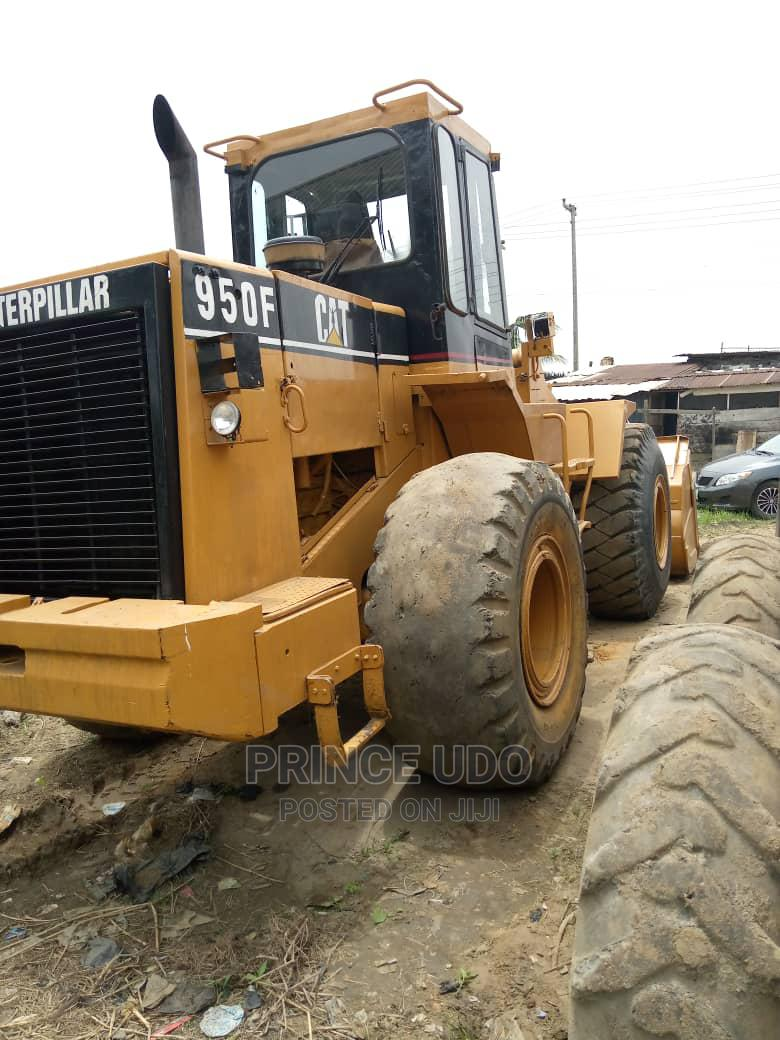 950F Pail Loader in Working Condition for Sale