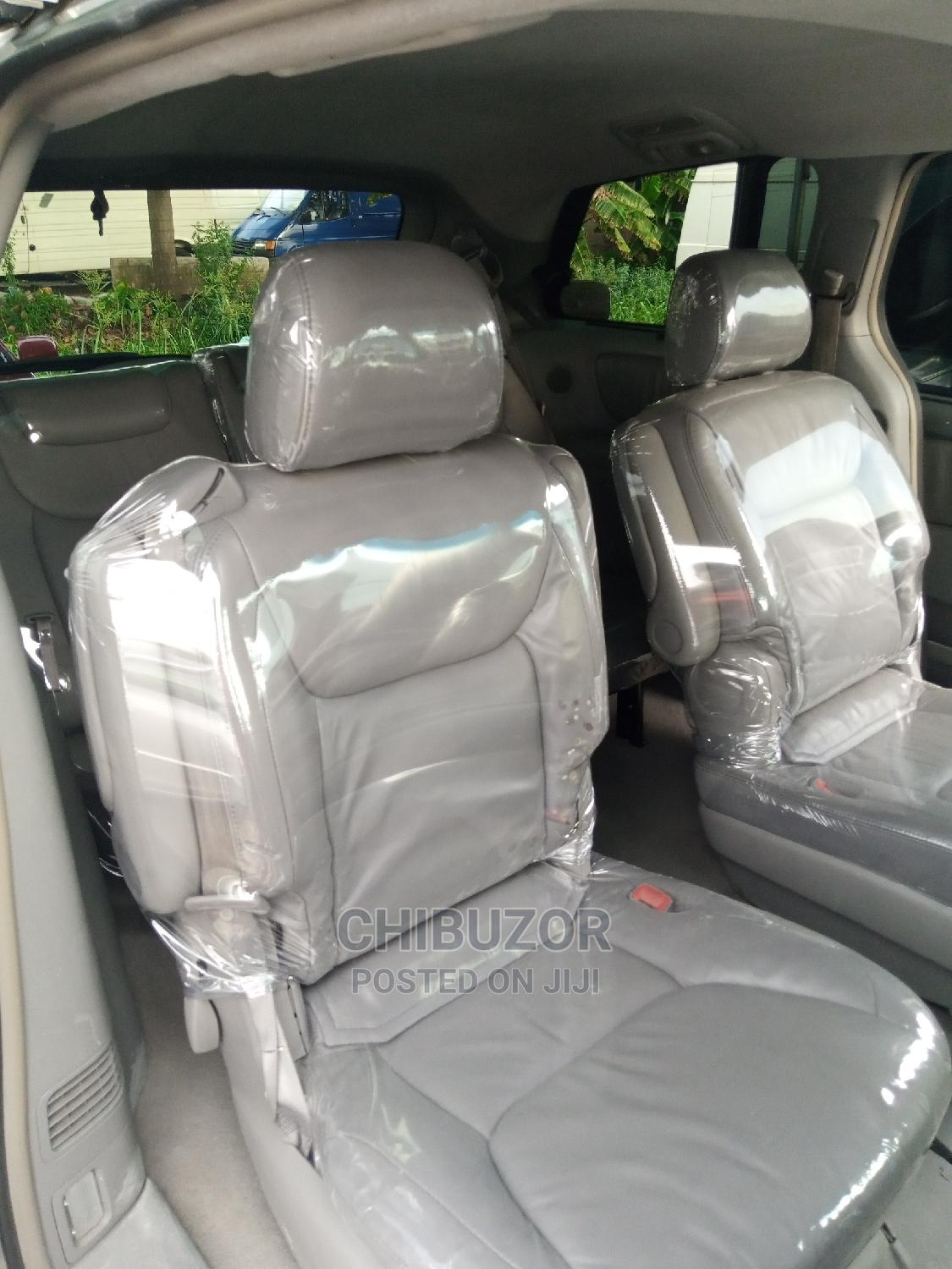 Toyota Sienna 2005 XLE Limited AWD Silver | Cars for sale in Apapa, Lagos State, Nigeria