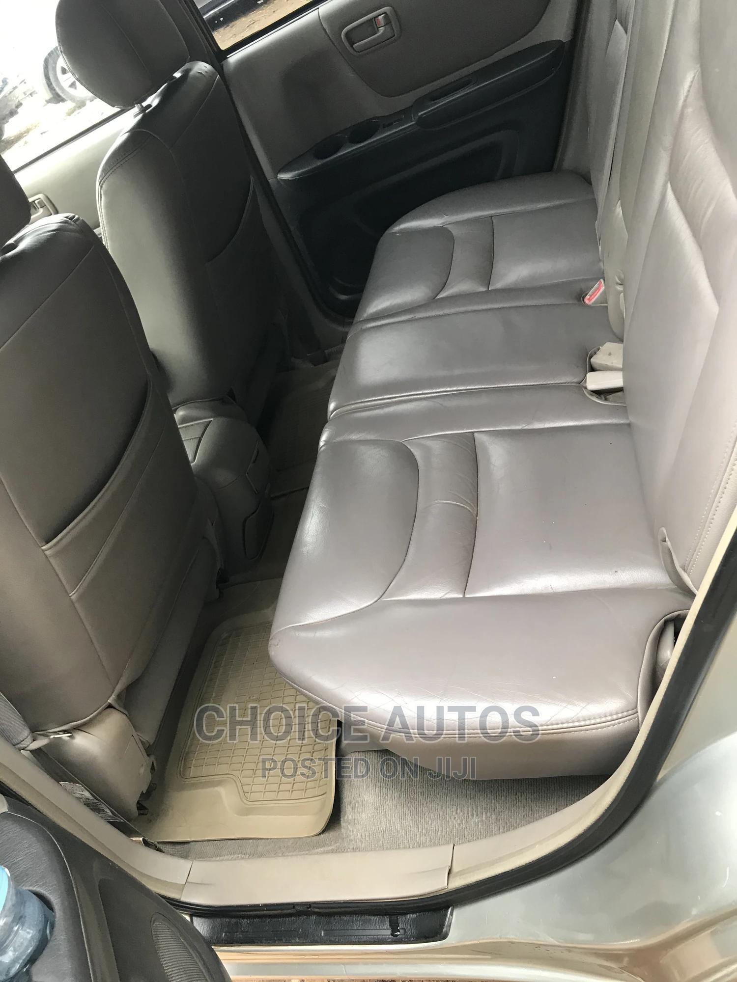 Toyota Highlander 2003 Silver | Cars for sale in Gaduwa, Abuja (FCT) State, Nigeria