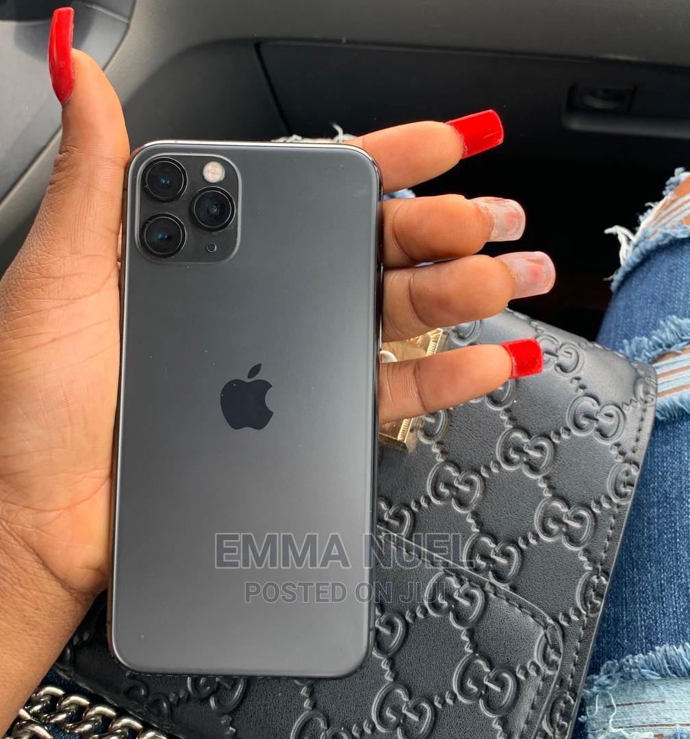 Archive: Apple iPhone 11 Pro 64 GB Black