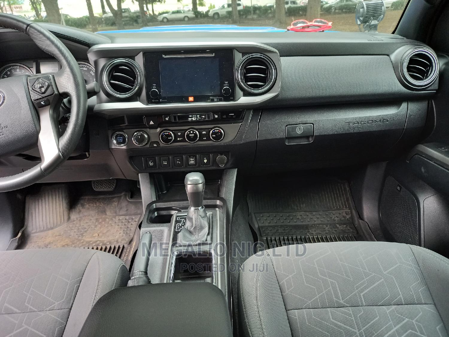 Toyota Tacoma 2016 4dr Double Cab Blue | Cars for sale in Ikeja, Lagos State, Nigeria