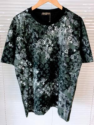 High Quality Louis Vuitton T-Shirts for Men | Clothing for sale in Lagos State, Magodo
