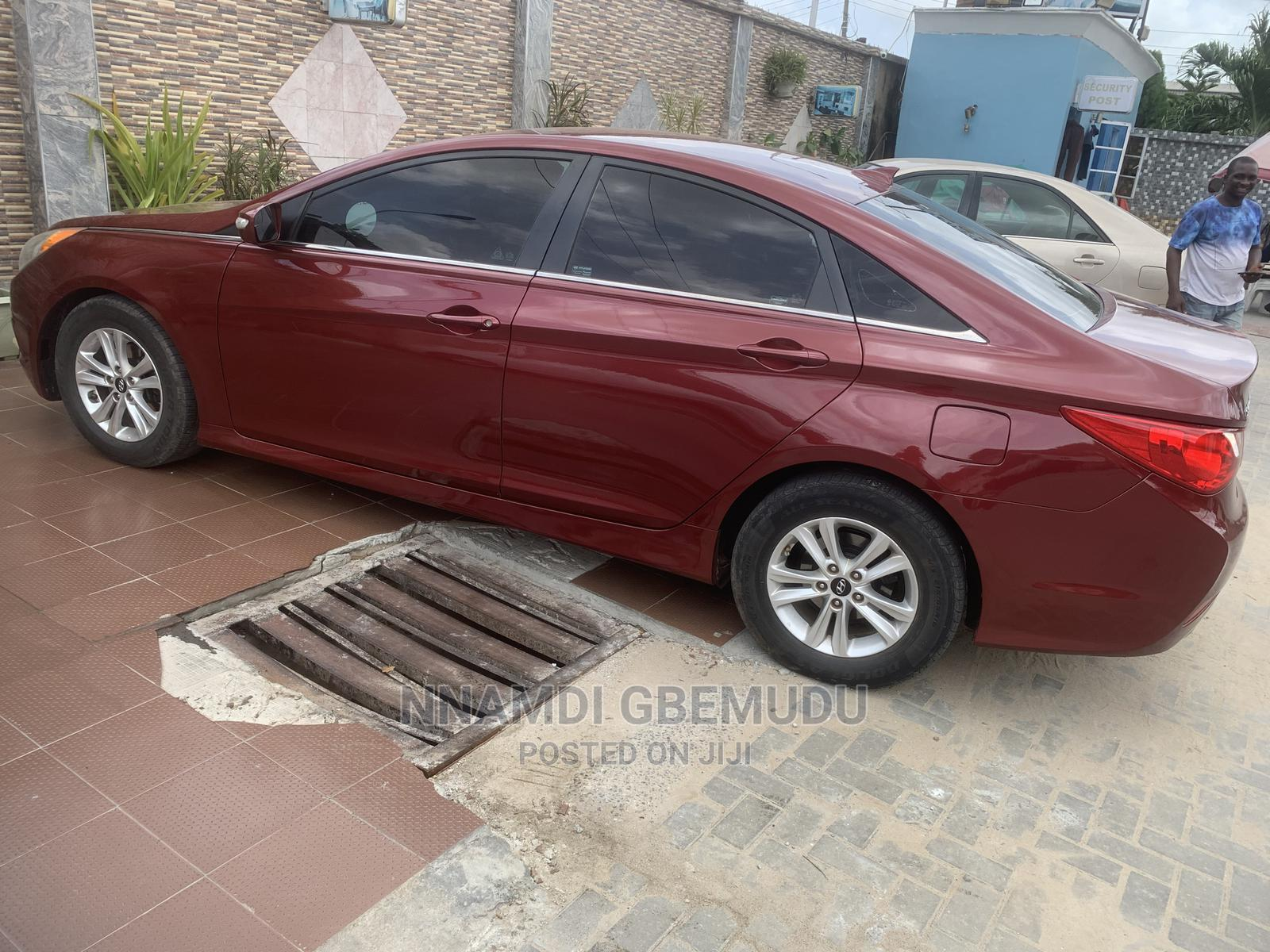 Archive: Hyundai Sonata 2014 Red