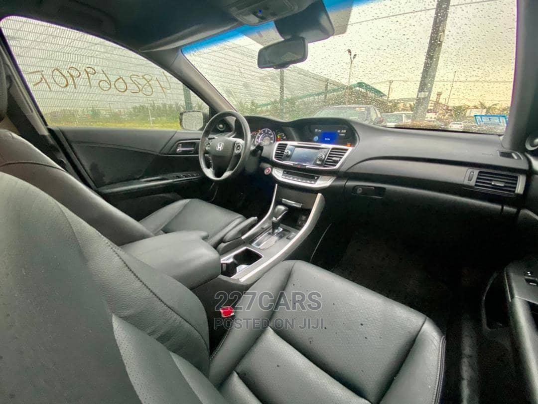 Archive: Honda Accord 2013 Black