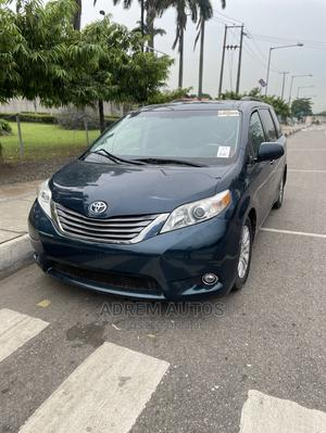 Toyota Sienna 2011 XLE 7 Passenger Blue | Cars for sale in Lagos State, Ogba