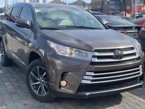 Toyota Highlander 2018 XLE 4x4 V6 (3.5L 6cyl 8A) Brown | Cars for sale in Lagos State, Lekki