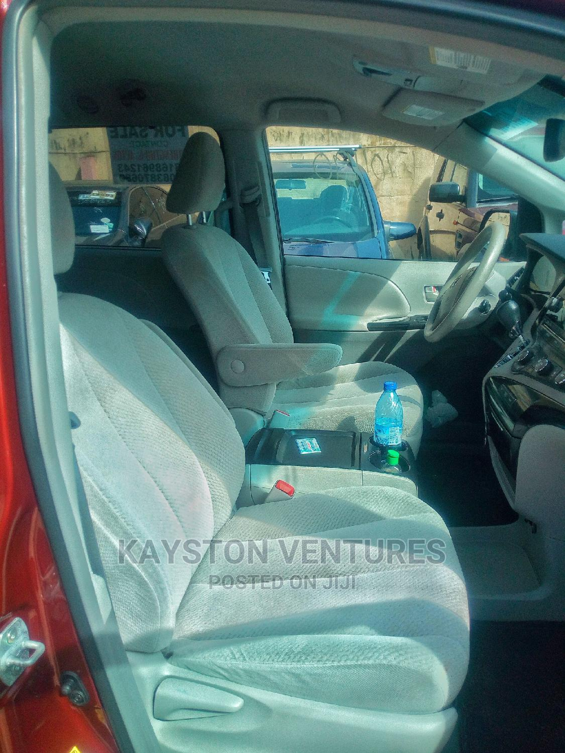 Toyota Sienna 2011 LE 7 Passenger Red | Cars for sale in Alimosho, Lagos State, Nigeria