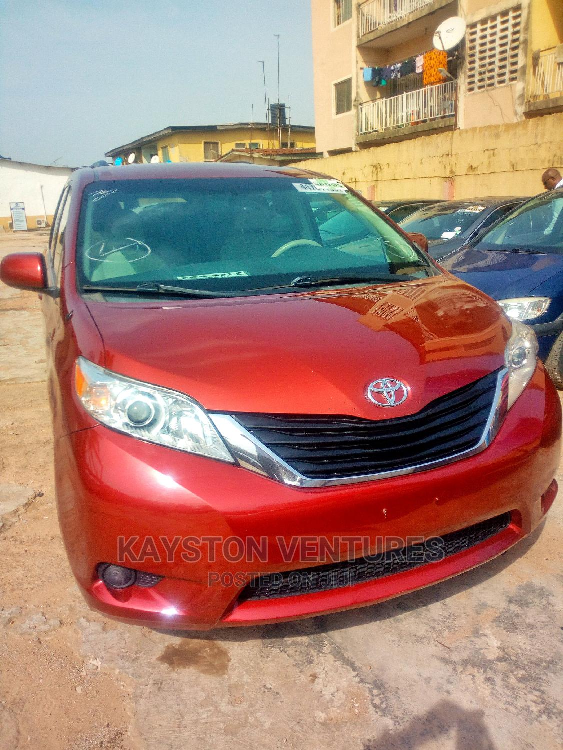 Toyota Sienna 2011 LE 7 Passenger Red