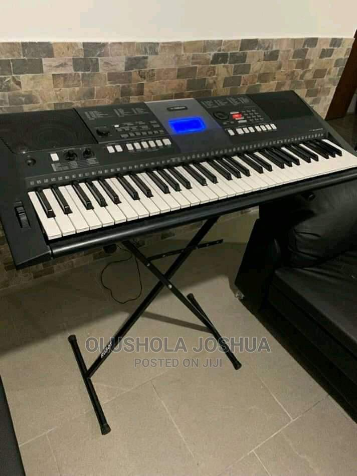 Archive: Piano Yamaha E423