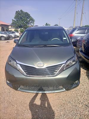 Toyota Sienna 2010 LE 8 Passenger Gray | Cars for sale in Abuja (FCT) State, Kubwa