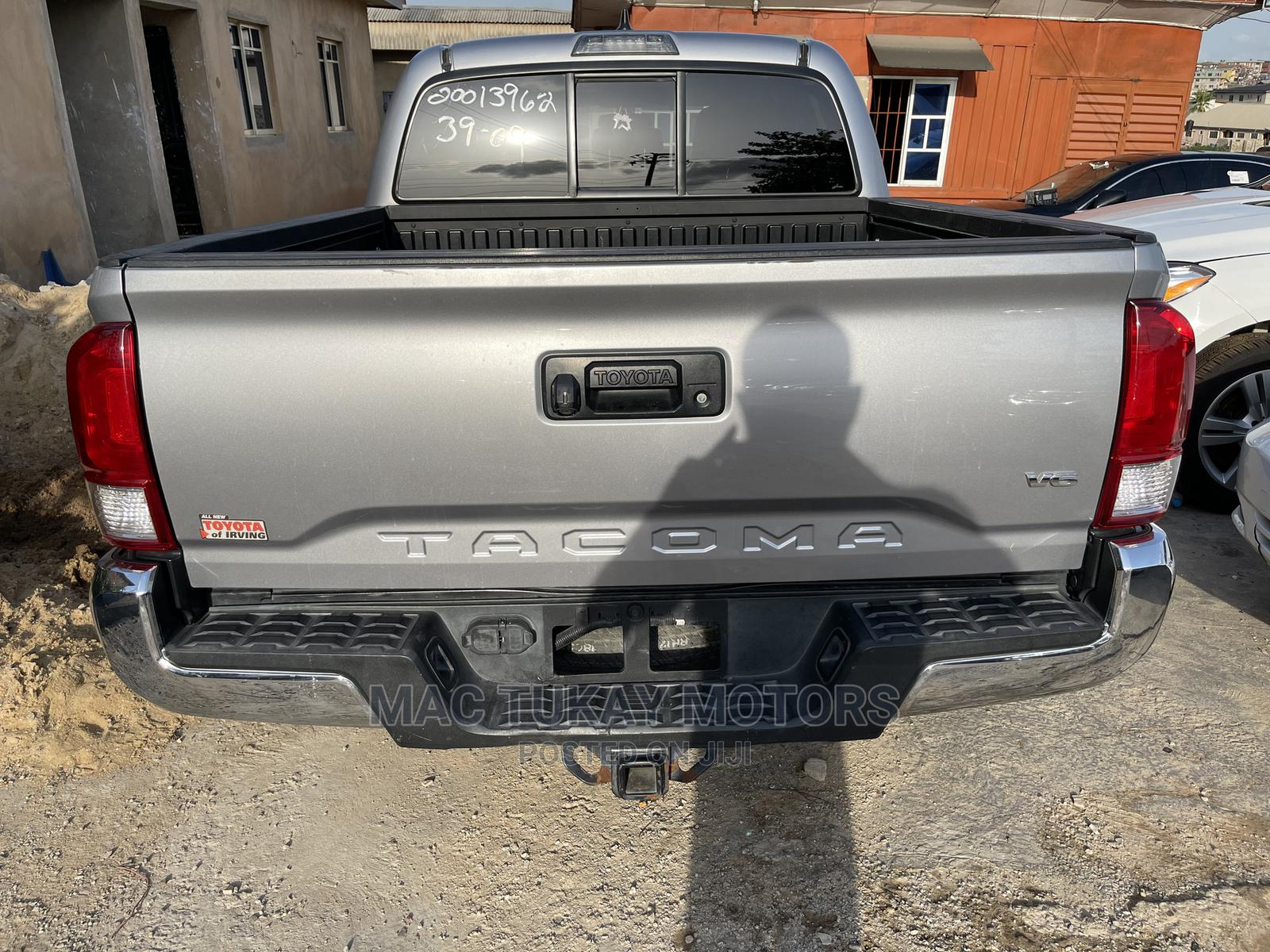 Toyota Tacoma 2016 4dr Double Cab Gray | Cars for sale in Ikeja, Lagos State, Nigeria