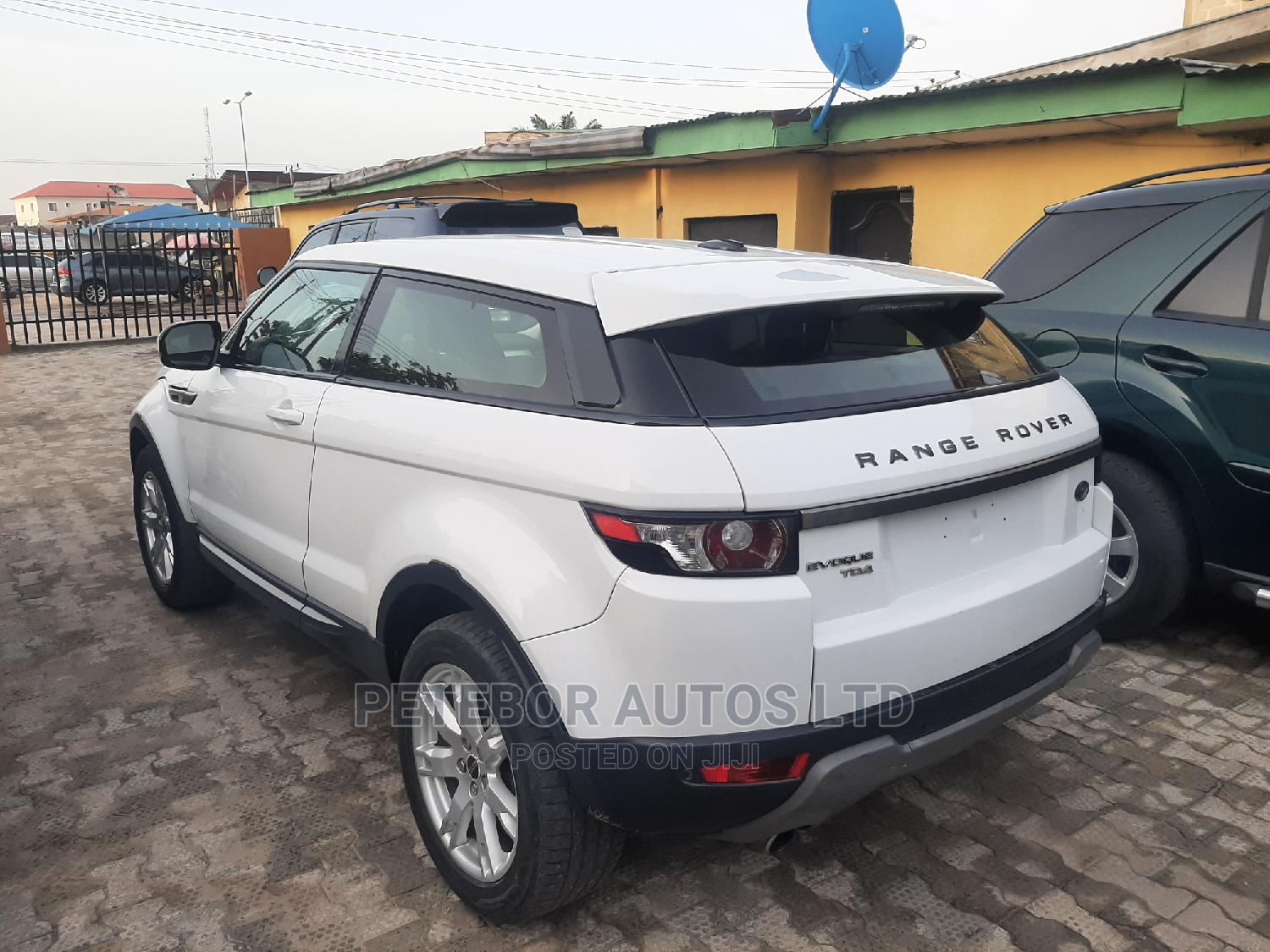 Land Rover Range Rover Evoque 2013 Pure Plus AWD White | Cars for sale in Ajah, Lagos State, Nigeria
