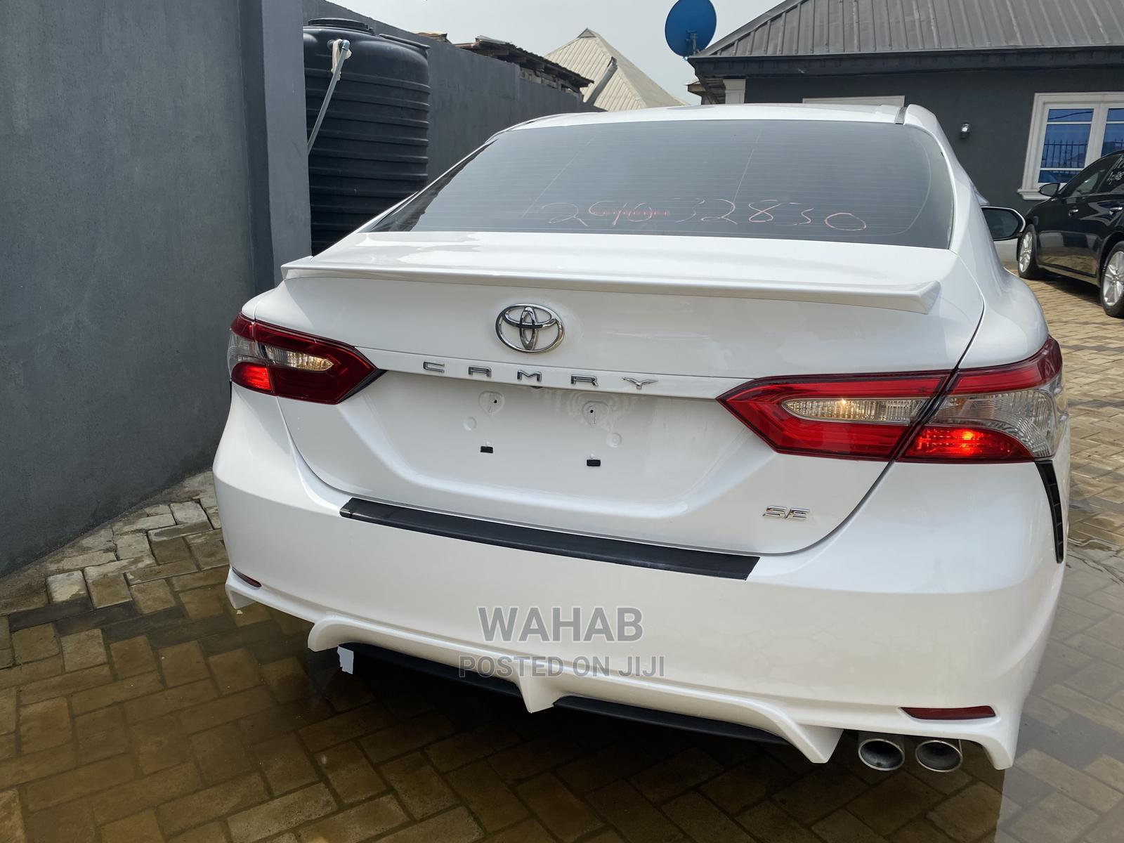 Toyota Camry 2018 SE FWD (2.5L 4cyl 8AM) White   Cars for sale in Ilupeju, Lagos State, Nigeria