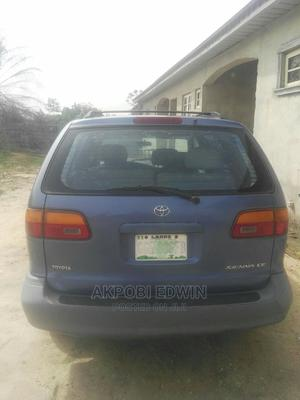 Toyota Sienna 2000 LE & 1 Hatch Blue | Cars for sale in Lagos State, Ibeju