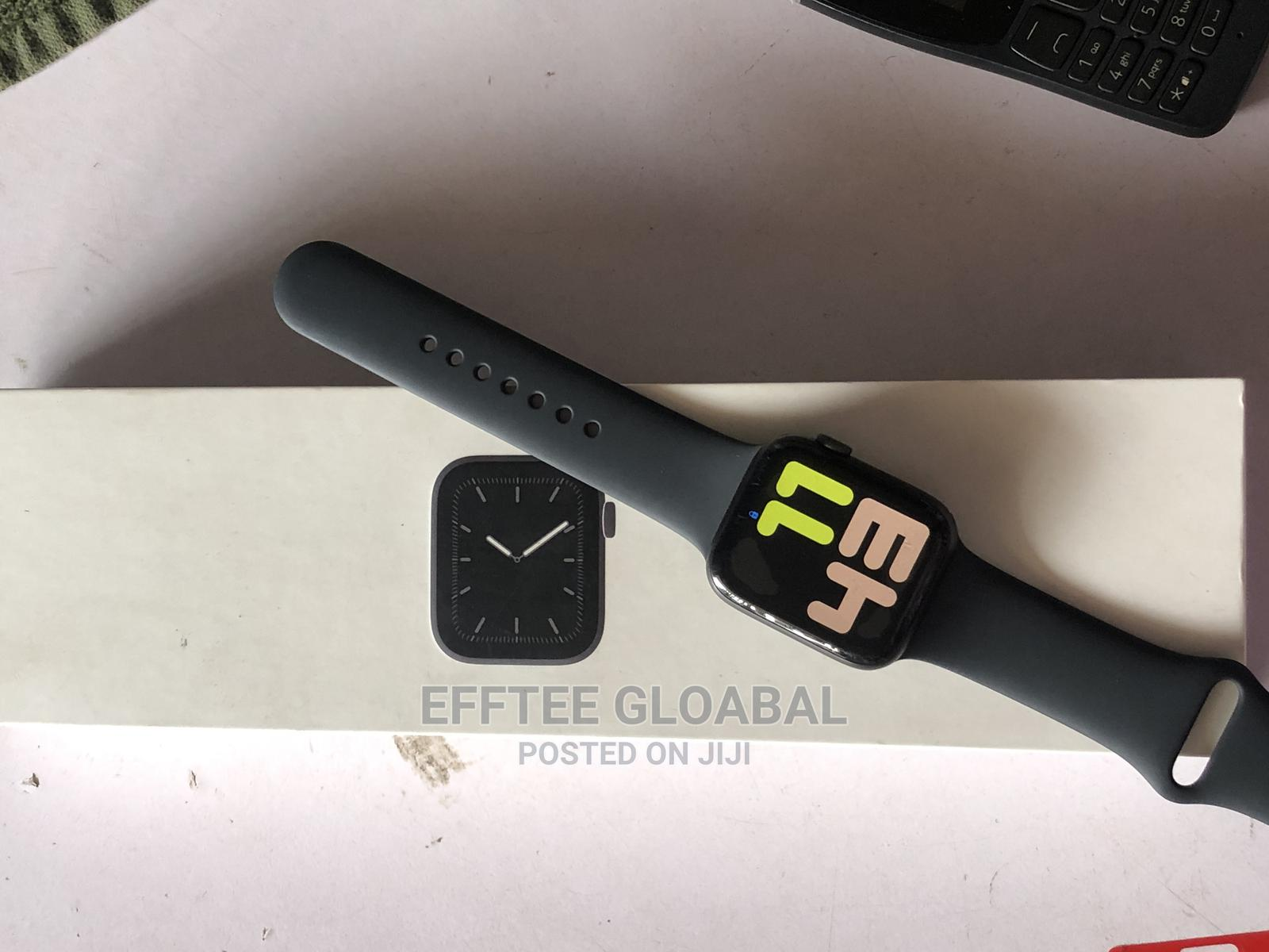 Apple Watch Series 5 | Smart Watches & Trackers for sale in Ibadan, Oyo State, Nigeria
