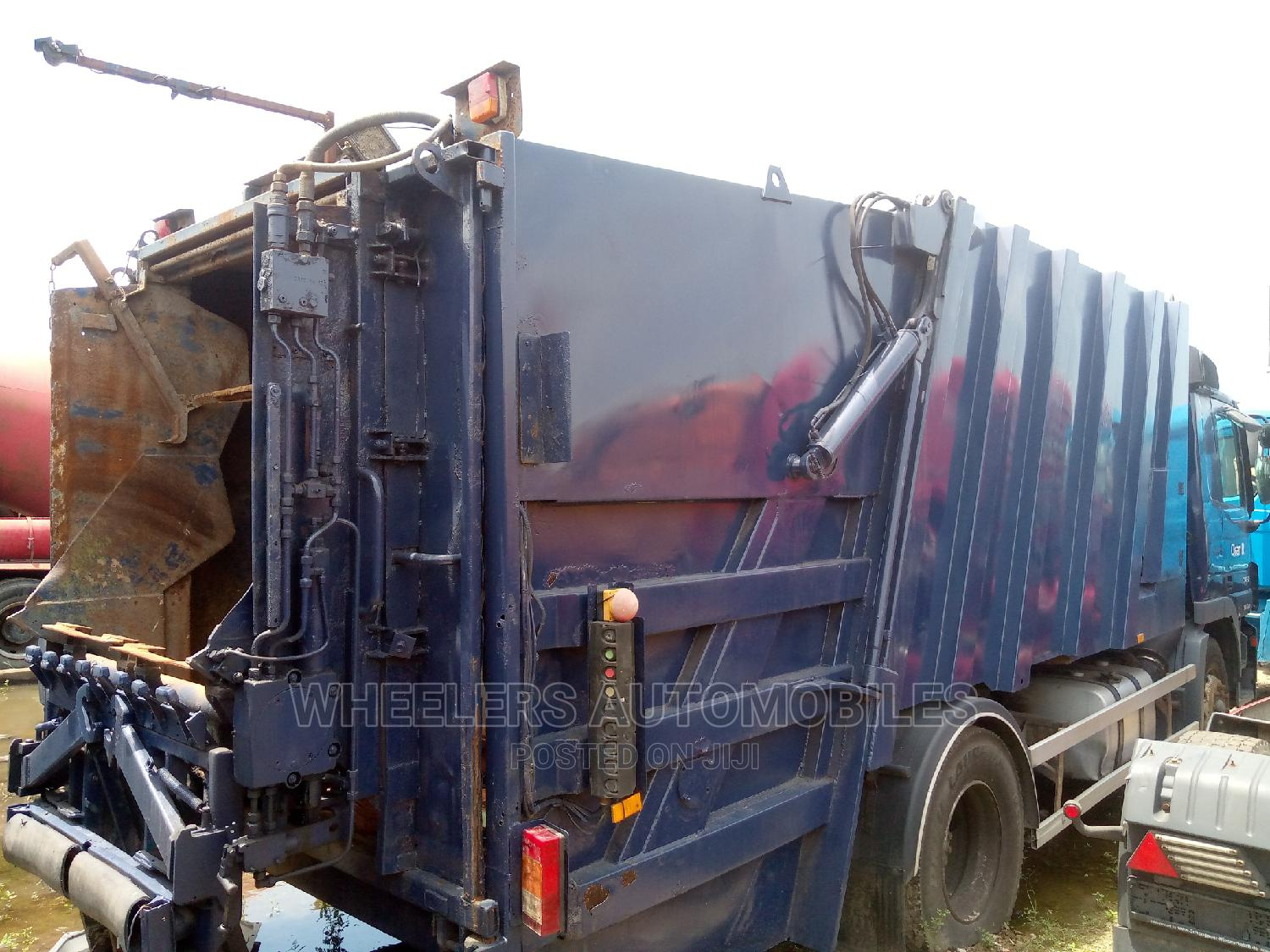 Garbage Truck 2005 Actros | Trucks & Trailers for sale in Amuwo-Odofin, Lagos State, Nigeria