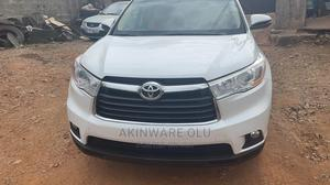 Toyota Highlander 2015 White   Cars for sale in Lagos State, Maryland