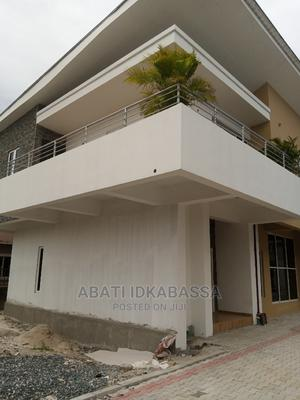 4 Bedrooms Duplex for Sale in Golf Estate, Lakowe | Houses & Apartments For Sale for sale in Ibeju, Lakowe