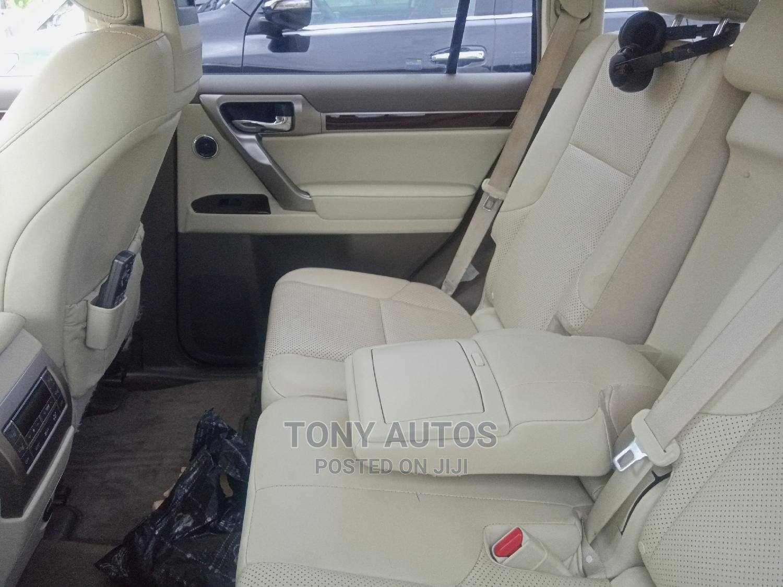 Archive: Lexus GX 2015 Gold