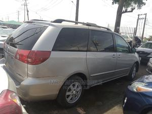 Toyota Sienna 2006 Silver | Cars for sale in Lagos State, Isolo