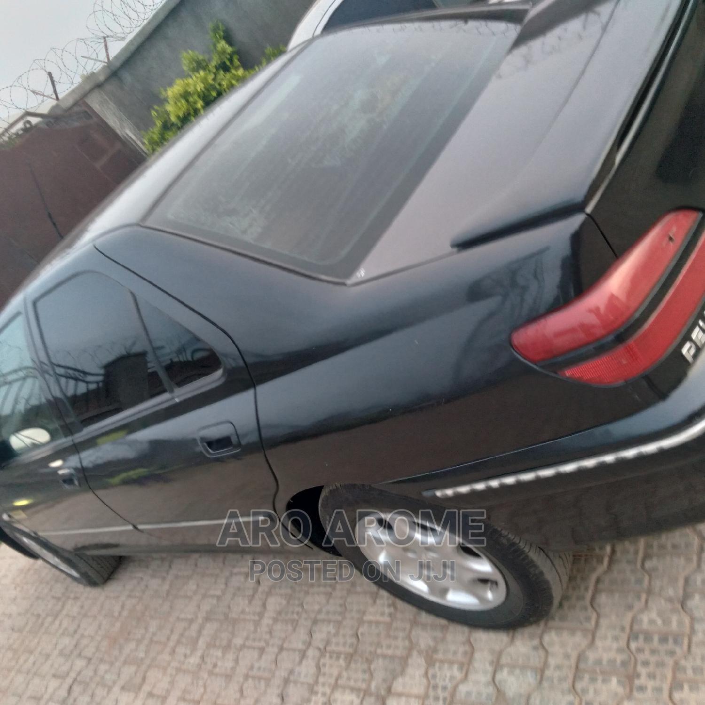 Archive: Peugeot 406 2004 Break 2.0i Black