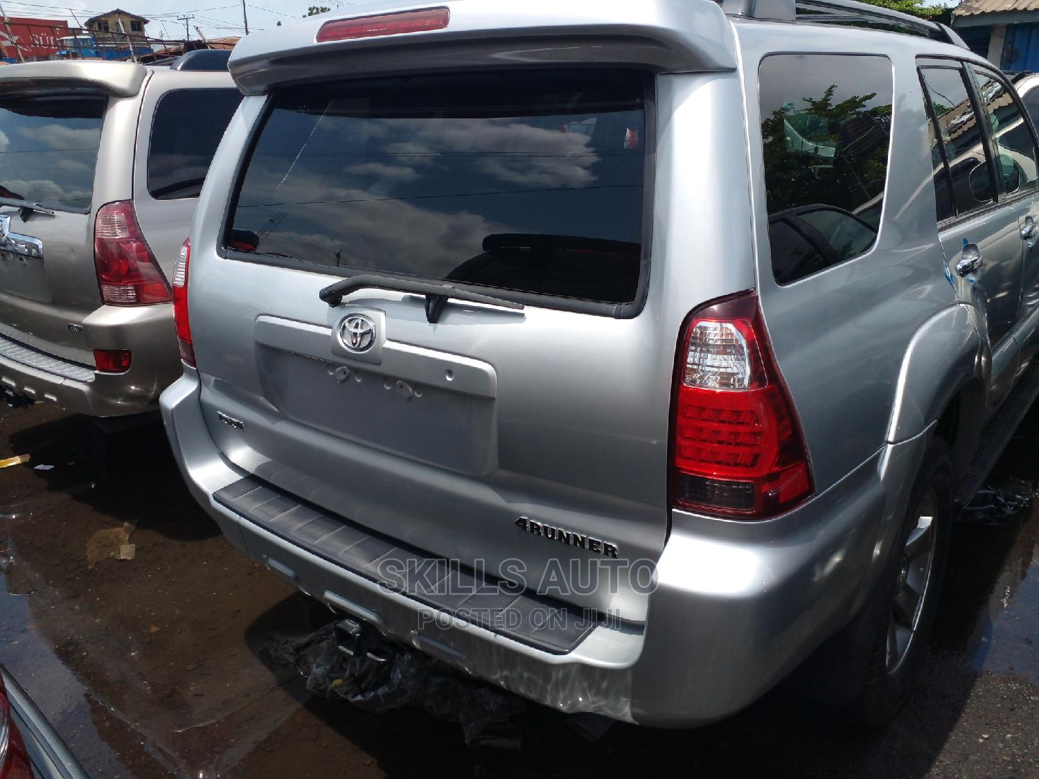 Archive: Toyota 4-Runner 2006 Limited V8 Silver