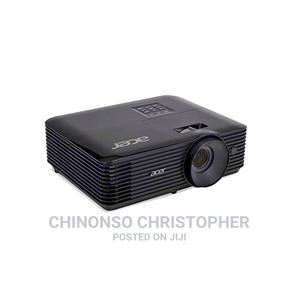 Acer Multimedia Projector 4000lumen   TV & DVD Equipment for sale in Abuja (FCT) State, Wuse