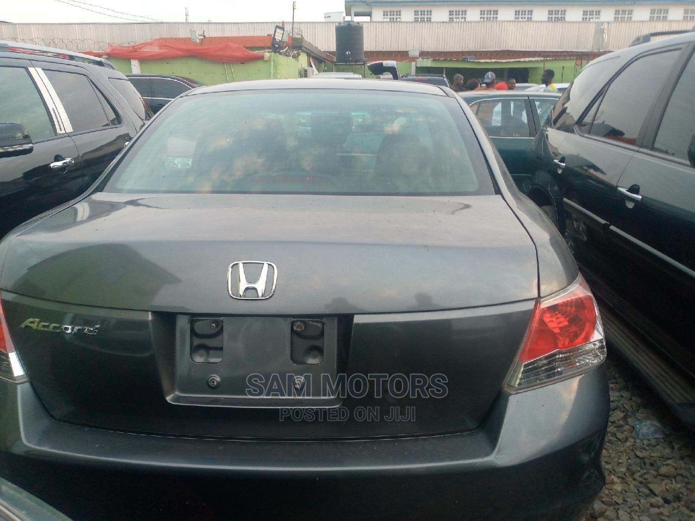 Archive: Honda Accord 2008 Gray