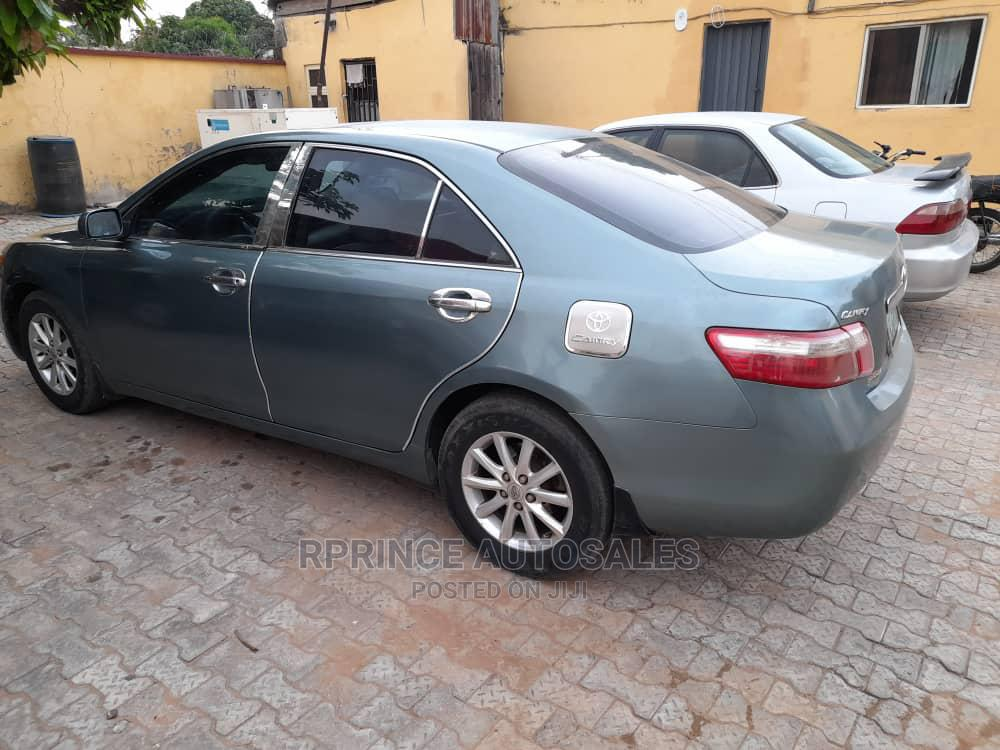 Archive: Toyota Camry 2009 Green