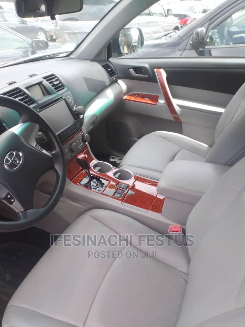 Archive: Toyota Highlander 2011 Limited Blue